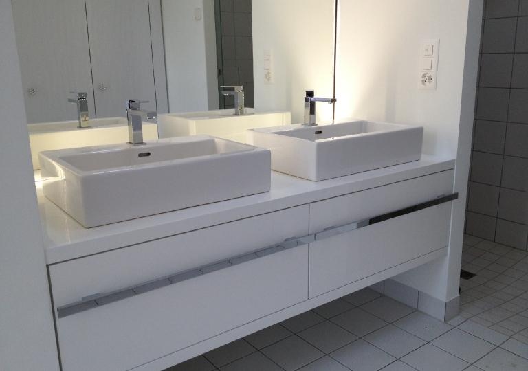 Hochglanz Badezimmer