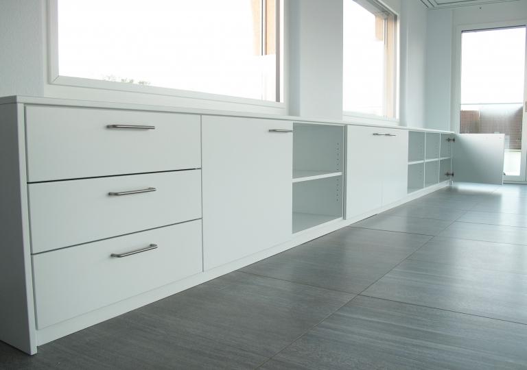 Weisses Sideboard
